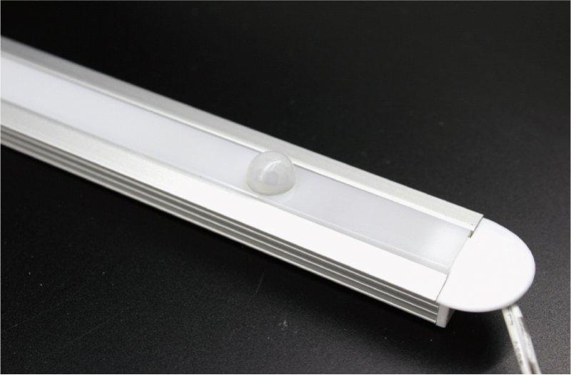 Profil-Leuchte PIR-Bewegungssensor 8W 60cm ww Milch-Cover