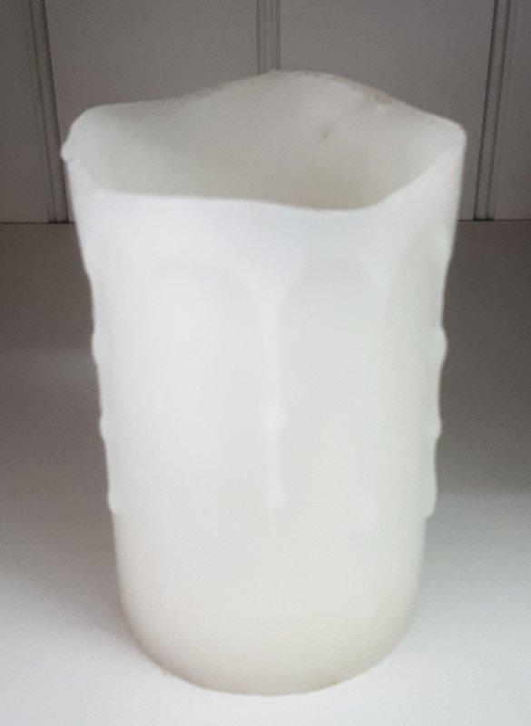 LED Wachskerze mit Flackerlicht 12.5cm